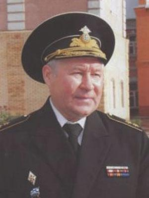 Заместитель главнокомандующего ВМФ по воспитательной работе в 1996–1998 годах вице- адмирал Аполлонов М.И. (1971)