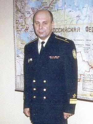 Кавалер орденов Красного Знамени и Красной Звезды контр-адмирал Донской И.В. (1977)