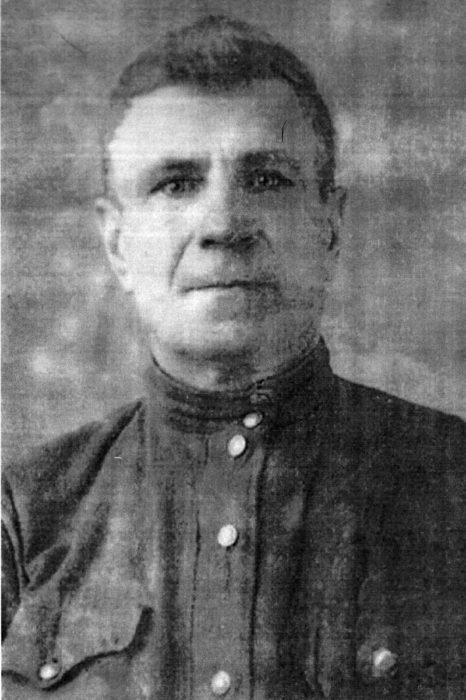 Сапер 43-го стрелкового полка гв.рядовой В.А.Ратозий. Октябрь 1943год.