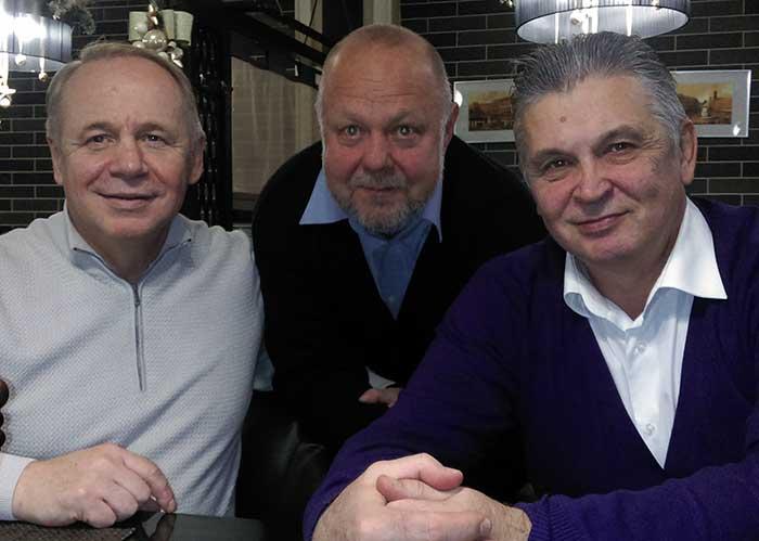 Слева направо: Ю.Савенко, Н.Шмаков, С.Сопелюк- 3 рота, 15 выпуск.