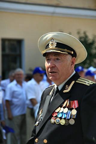 Командир роты Юрий Васильевич Гусев