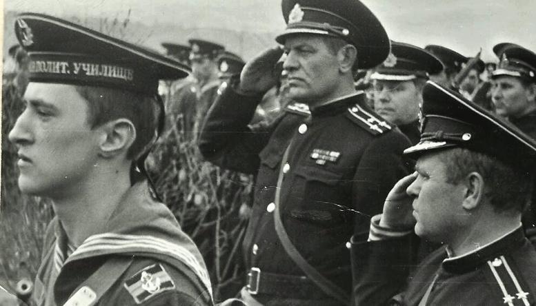Командир батальона Смирнов Ю.О. и зам.к-ра батальона Трейеров Ю.Г.