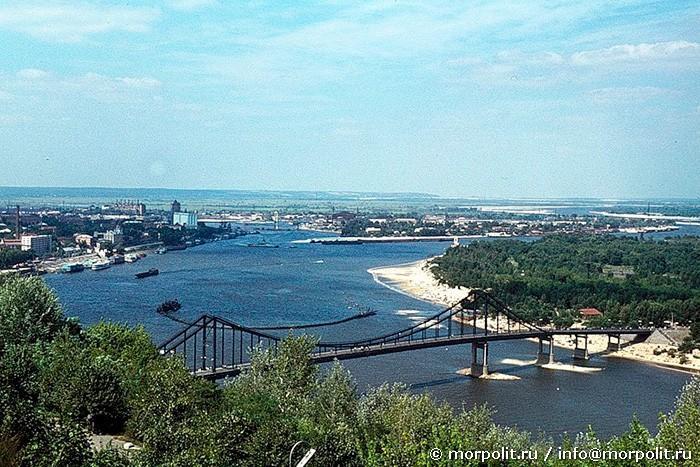 Пешеходный мост и Труханов остров. г.Киев