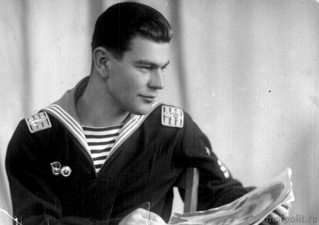В.П. Некрасов на выпускном курсе училища. г. Ленинград, 1958 год